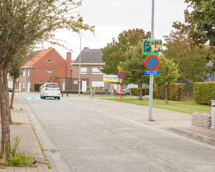 Extra parkeerfaciliteiten op vraag van de school